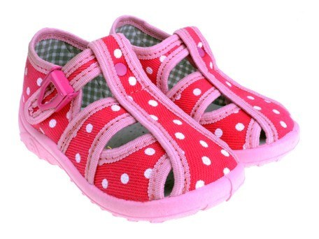 Detské textilné sandálky ružové s bielymi bodkami, s ortopedickou stielkou, zapínanie na  pracku